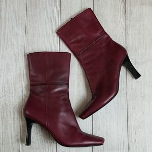 Laura Ashley Morgan burgundy leather boots size 9M